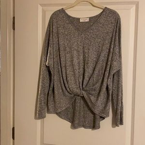 Gray slouchy twist waist long sleeve